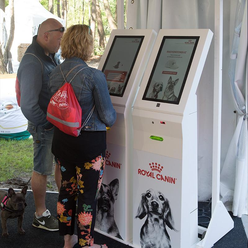 Royal Canin Scan & Win Kiosk case