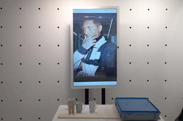Four 55 inch portrait screens for pop-up store Ceasarss