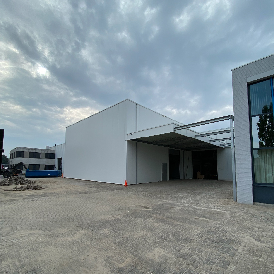 Warehouse built in record time